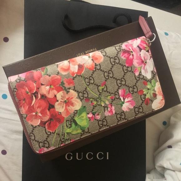 c21b64c2e3b511 Gucci Bags | Gg Blooms Supreme Zip Around Wallet | Poshmark